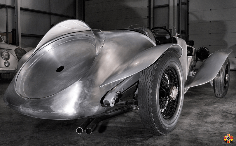 Steady Special aluminium vintage car body, designed by 3D Engineers, ready for painting.